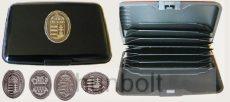 Bankkártya tartó metál fekete színű különböző ón matricával