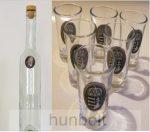 Különböző ón címkés hosszú pálinkás üveg,  6db ón címkés pálnikás pohárral
