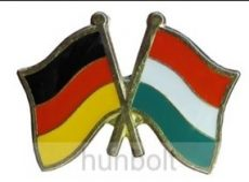 Kitűző, páros zászló Német -Magyar jelvény 26x15 mm