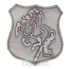 Ágaskodó ló, pajzs alakú ón matrica 5x4,5 cm