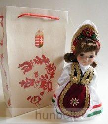 Díszbaba, Magyar népmesék címerrel dísztasakkal