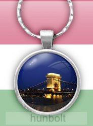 Budapesti Lánchíd éjszaka üveglencsés kulcstartó