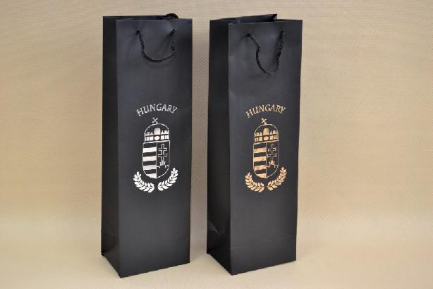 Italtasak, italos dísztasak fekete, címeres