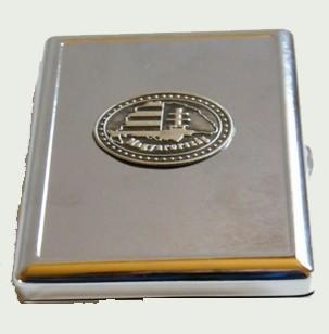 Cigarettatartó ón Nagy-Magyarország matricával, 20 szálas