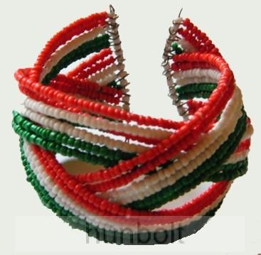 Image of 18 soros nemzeti színű rugós karkötő
