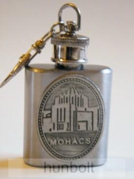 Fém flaska kulcstartó ón Mohács címkével