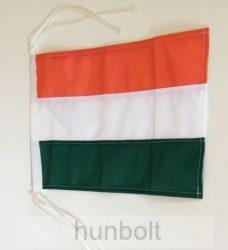 Magyar hajózászló, megkötős, színenként varrott