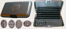 Bankkártya tartó metál sötét szürke színű különböző ón címkével