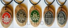 Ón matricás ovális fa nyaklánc ón címer matricával