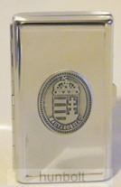 Női vékony cigarettatartó ón koszorús címer matricával , 20 szálas
