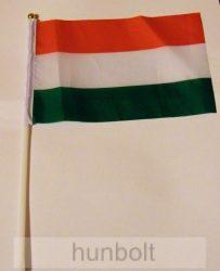 Nemzeti, vékony műszálas zászló 15x25 cm, 30 cm-es műanyag rúddal