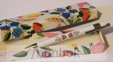 Kalocsai mintás toll doboz fehér tollal
