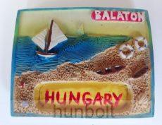 Balaton-Hungary vitorlással polyresin hütőmágnes 6 x 4,5 cm