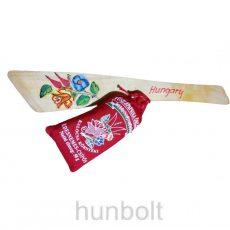 Kalocsa környéki fűszerpaprika (50gr csípős), festett fakanállal teflonhoz