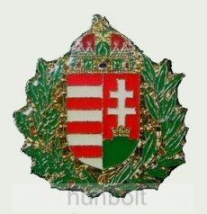 Zöld koszorús címer jelvény 22X23 mm