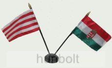 Zászlók asztali tartóval