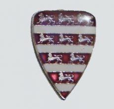 Árpádházi címeres jelvény fedőfestéssel (16x22 mm)